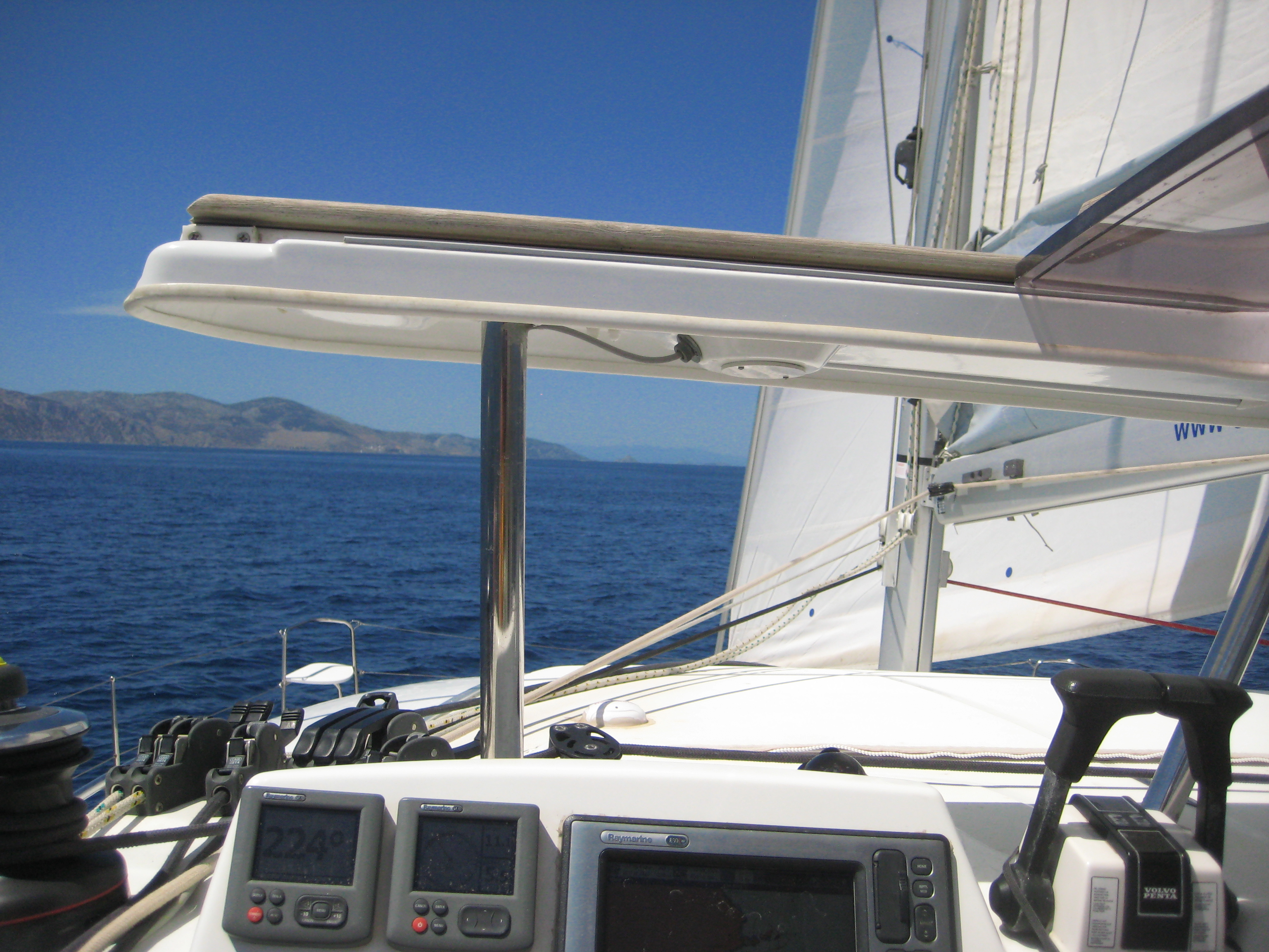 Lagoon 380; poste de pilotage