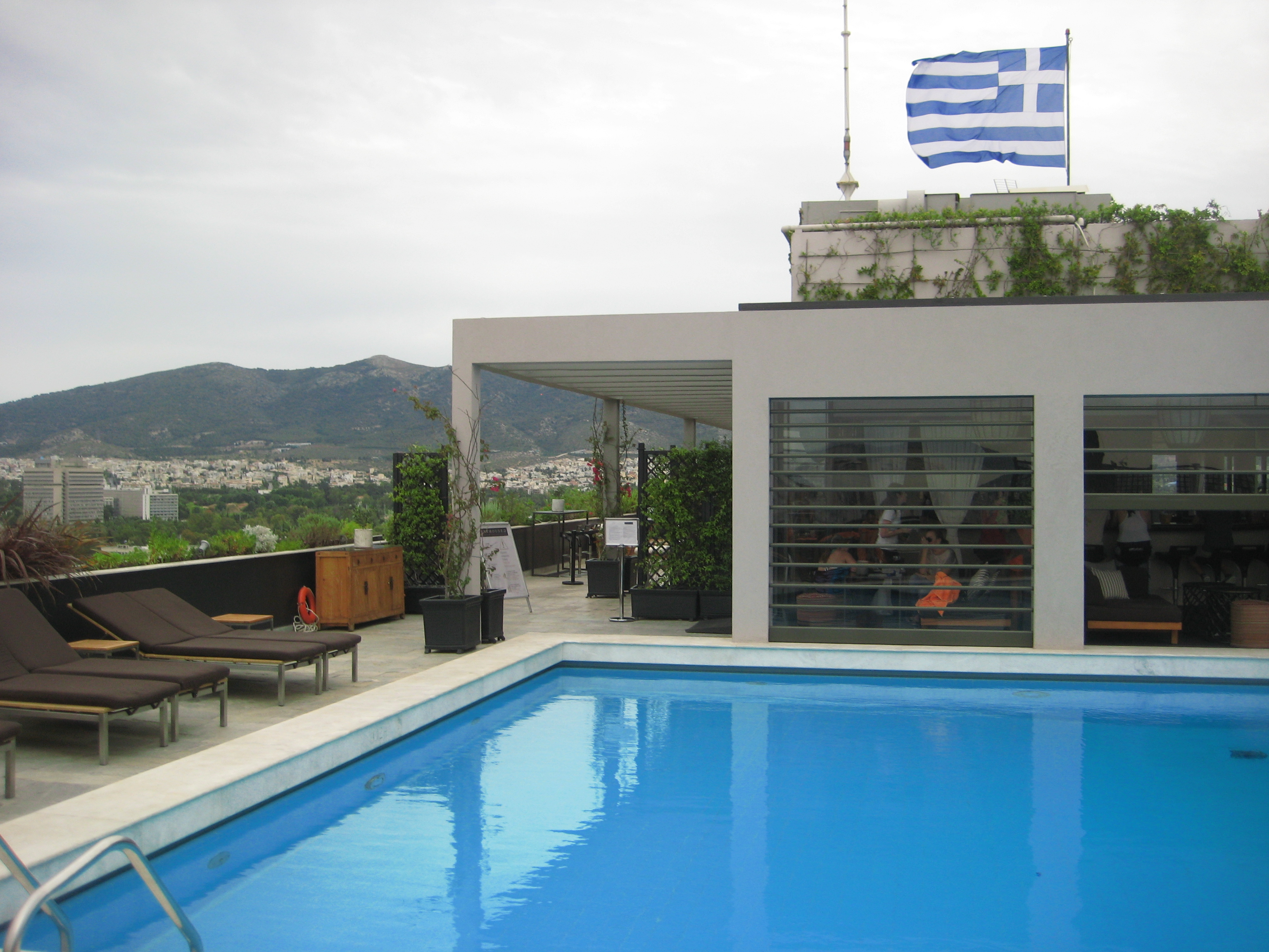 Piscine au 22 ème et dernier étage, President Hotel à  Athènes