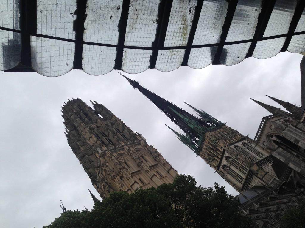 Chercher l'angle pour photographier la cathédrale de Rouen