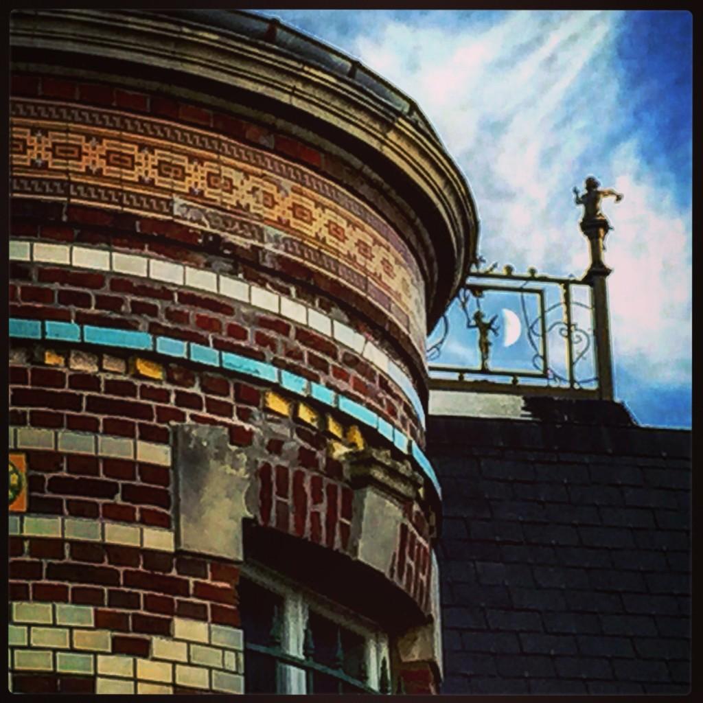 La tour d'une belle bâtisse à Ravenel
