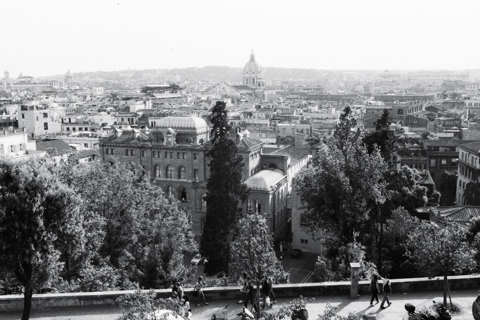 Vue sur Rome depuis la villa de Medicis