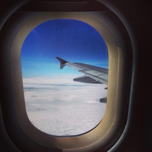 20 bonnes raisons de voyager c t du hublot en avion for Regarder par la fenetre