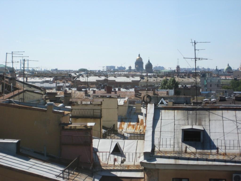 Les toits de Saint-Petersbourg