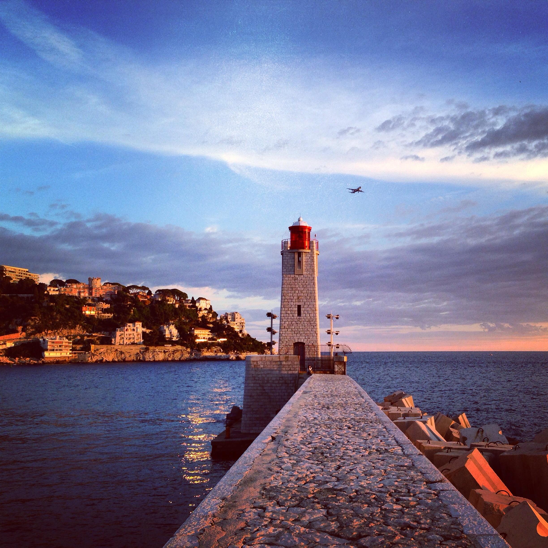 Le phare du port de Nice
