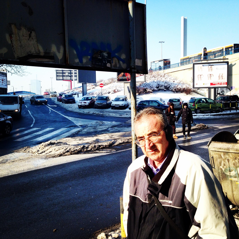 Belgrade un habitant me regarde fixement