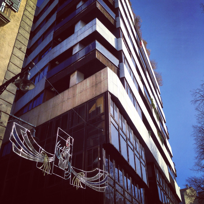 Une architecture moderne qui s'intègre assez mal avec l'architecture du centre ville de Pampelune