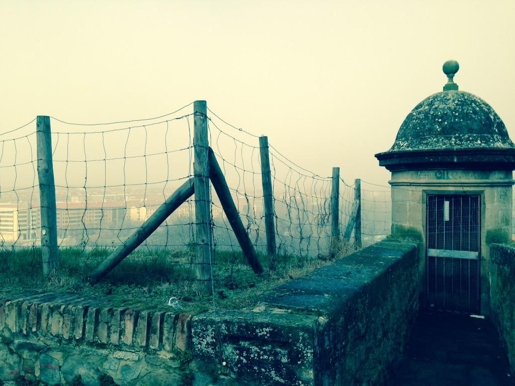 Les remparts dominent la ville de Pampelune