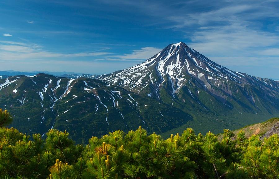 Le volcan Vilioutchinski au Kamchatka