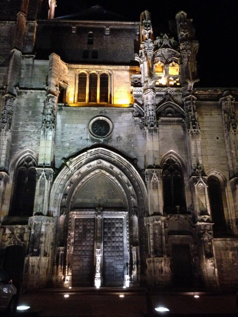 La cathédrale de Pont-Audemer la mer