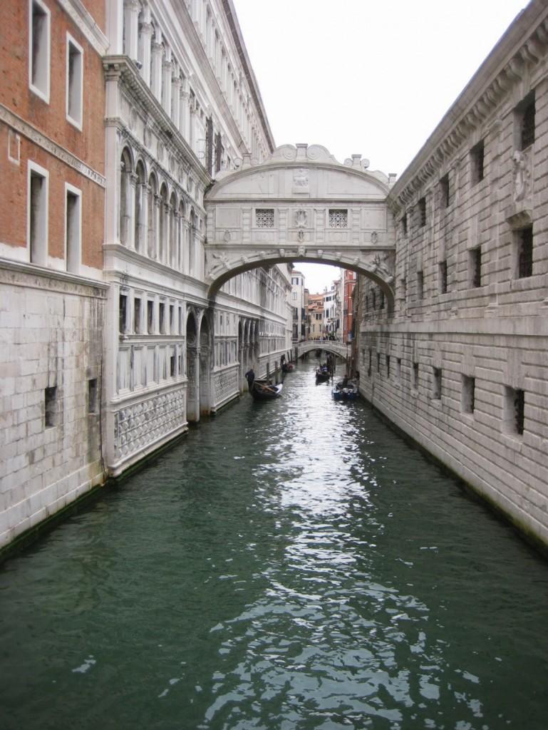 56. Le pont des soupirs, Venise