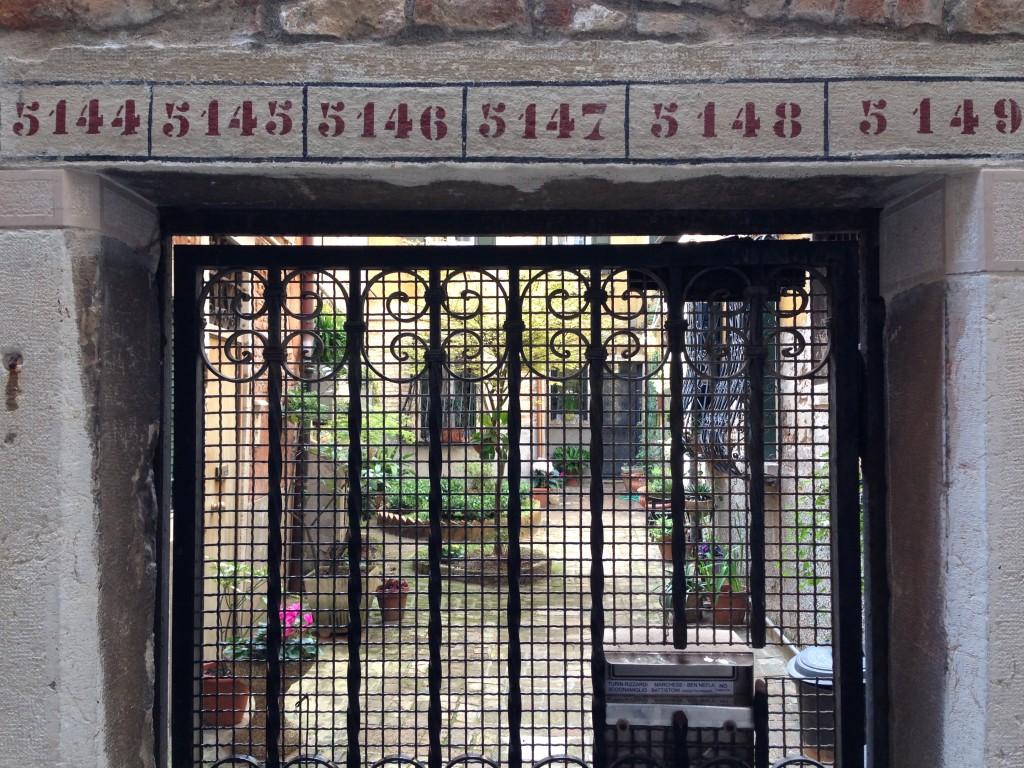 26. Petite cour intérieure