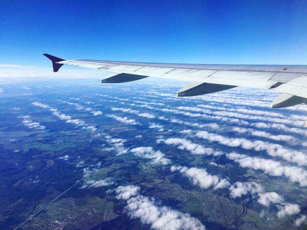 Des nuages linéaires. Moscou-Paris octobre 2016
