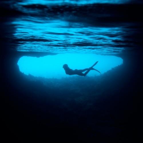 Chorégraphie sous-marine, photographe Sara Kelis
