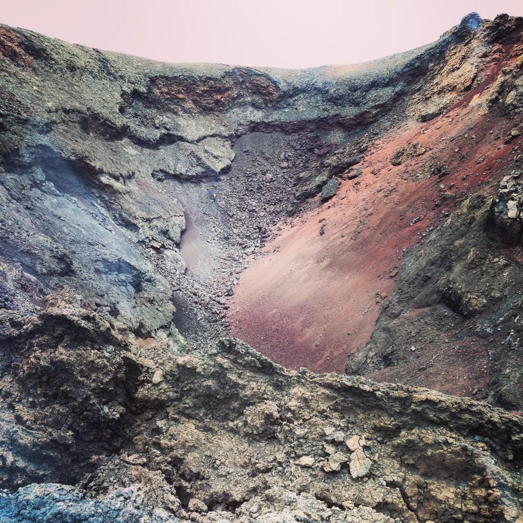 Le cratère d'un volcan à Lanzarote, Parc national de Timanfaya