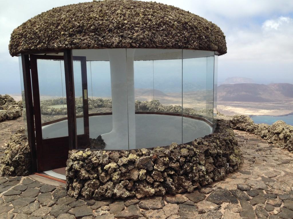 Tout en haut du Mirador del Rio à Lanzarote