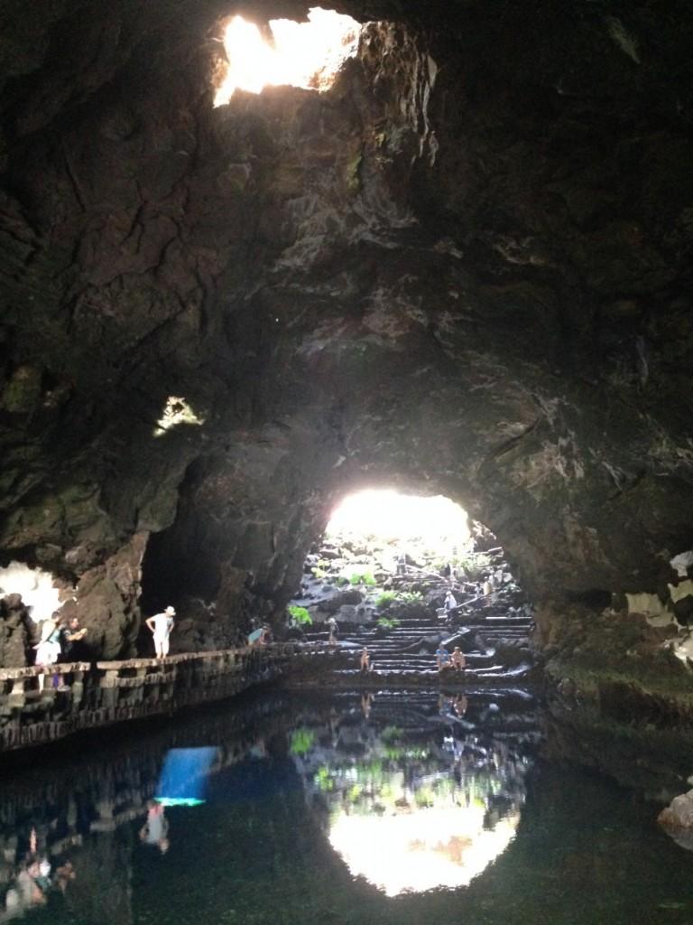 Un lac dans une grotte à Jameos del Agua, Lanzarote