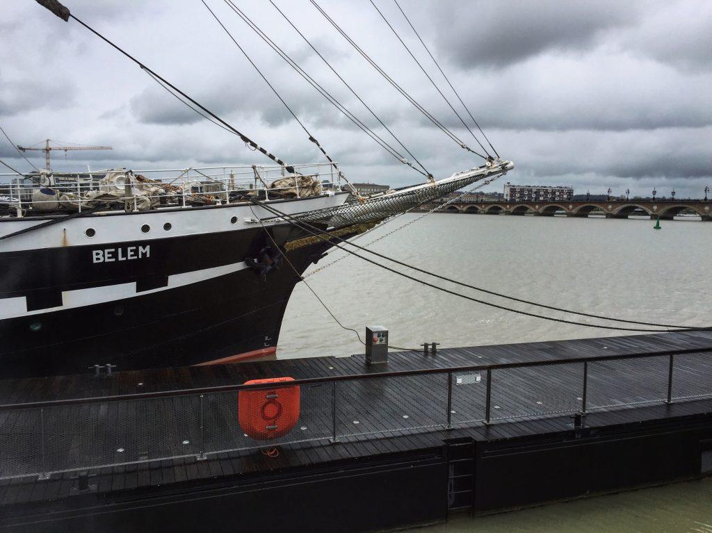 Le Belem, sur la Garonne, en escale à Bordeaux au port de la Lune