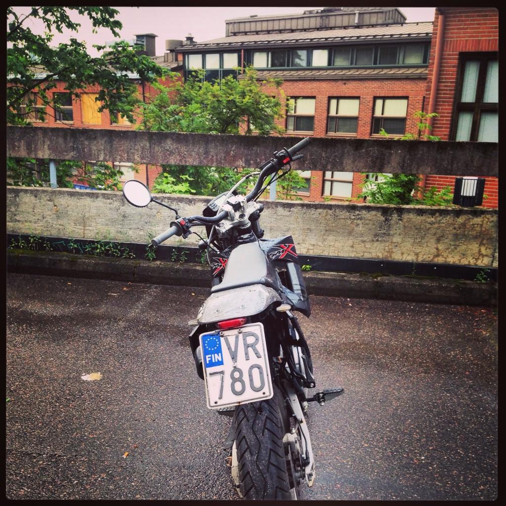 19. Une moto cross, l'engin idéal pour les balades en forêts