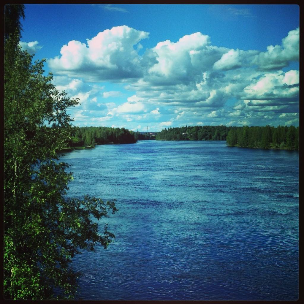 18. La Finlande est surnommée le pays des mille lacs