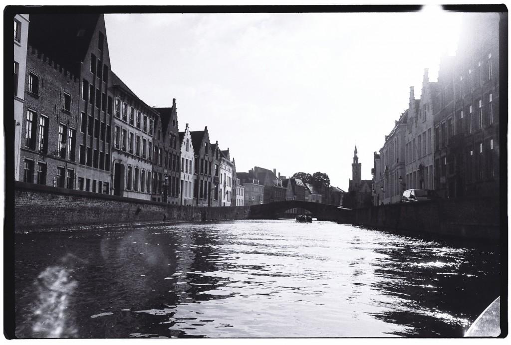 Le calme plat des canaux de Bruges