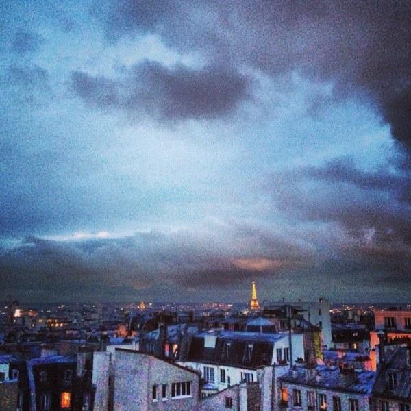 Vue sur Paris depuis les toits du quartier de la gare du Nord