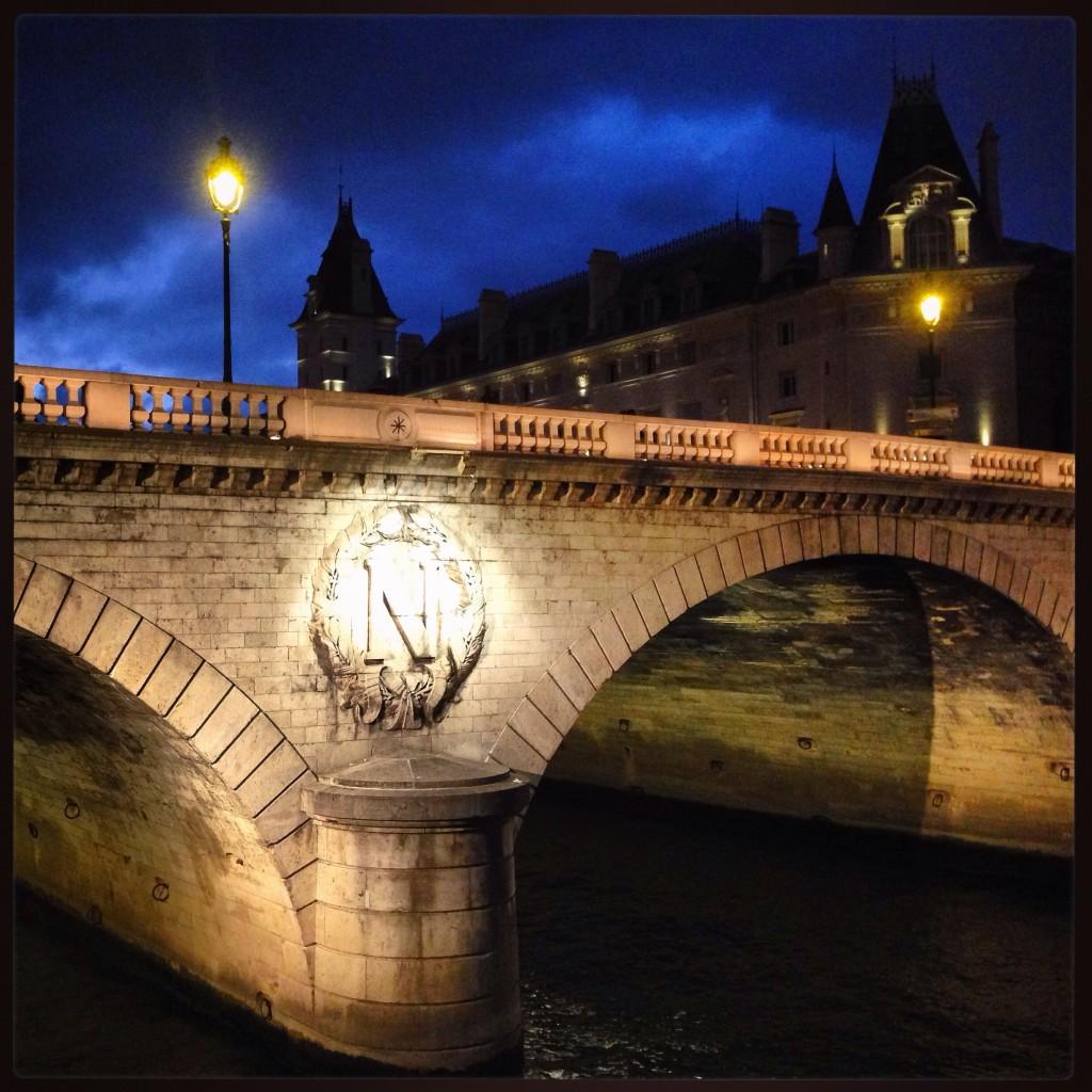 Le Pont Neuf sous le ciel de Paris