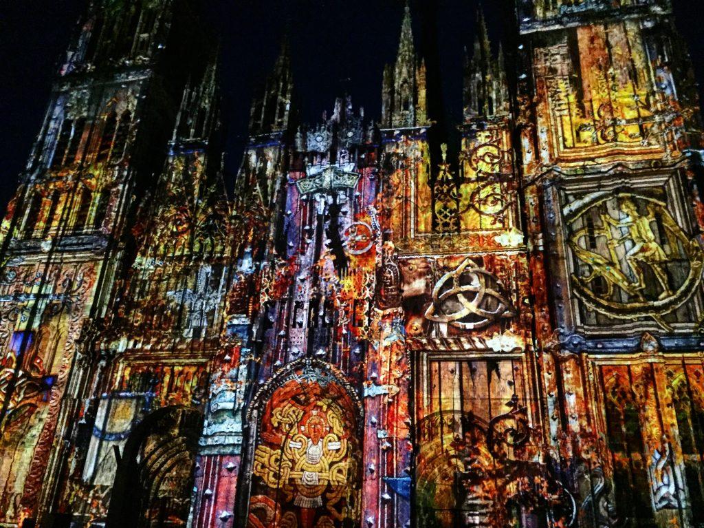 Les illuminations d'été de la cathédrale de Rouen