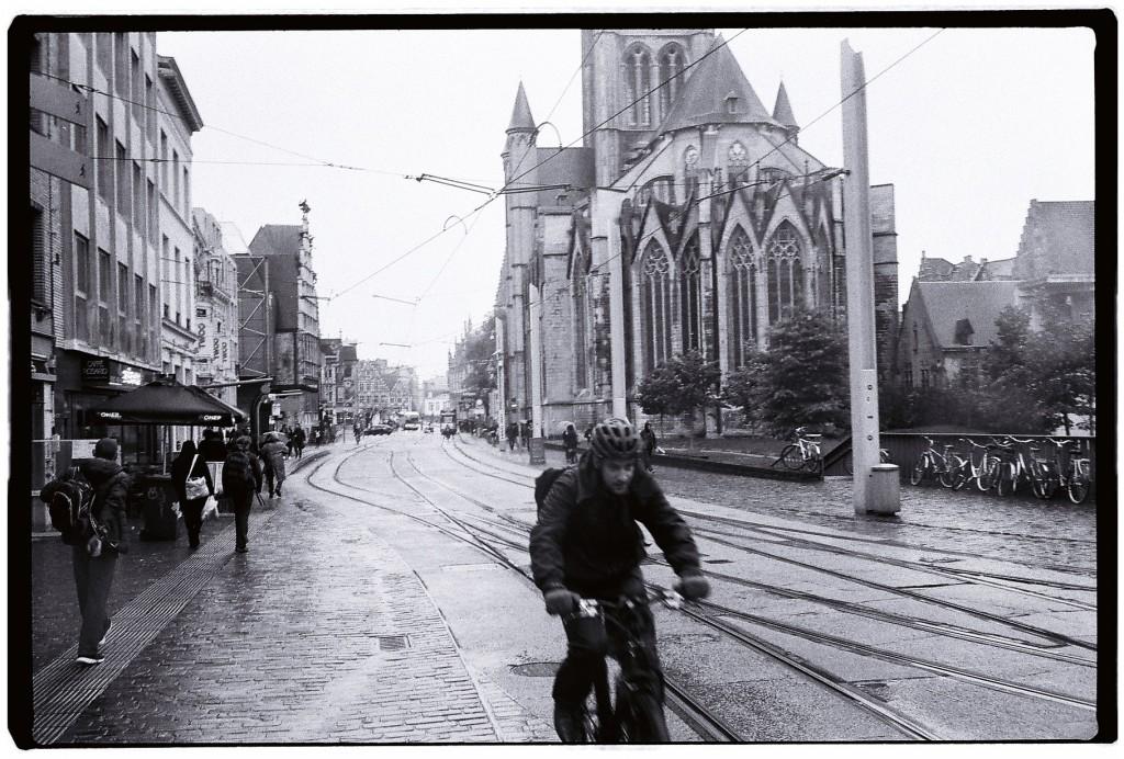 Difficile de ne pas prendre un cycliste en photo à Gand