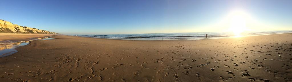 Panorama de l'une des plages les plus sauvages et des plus belles d'Espagne