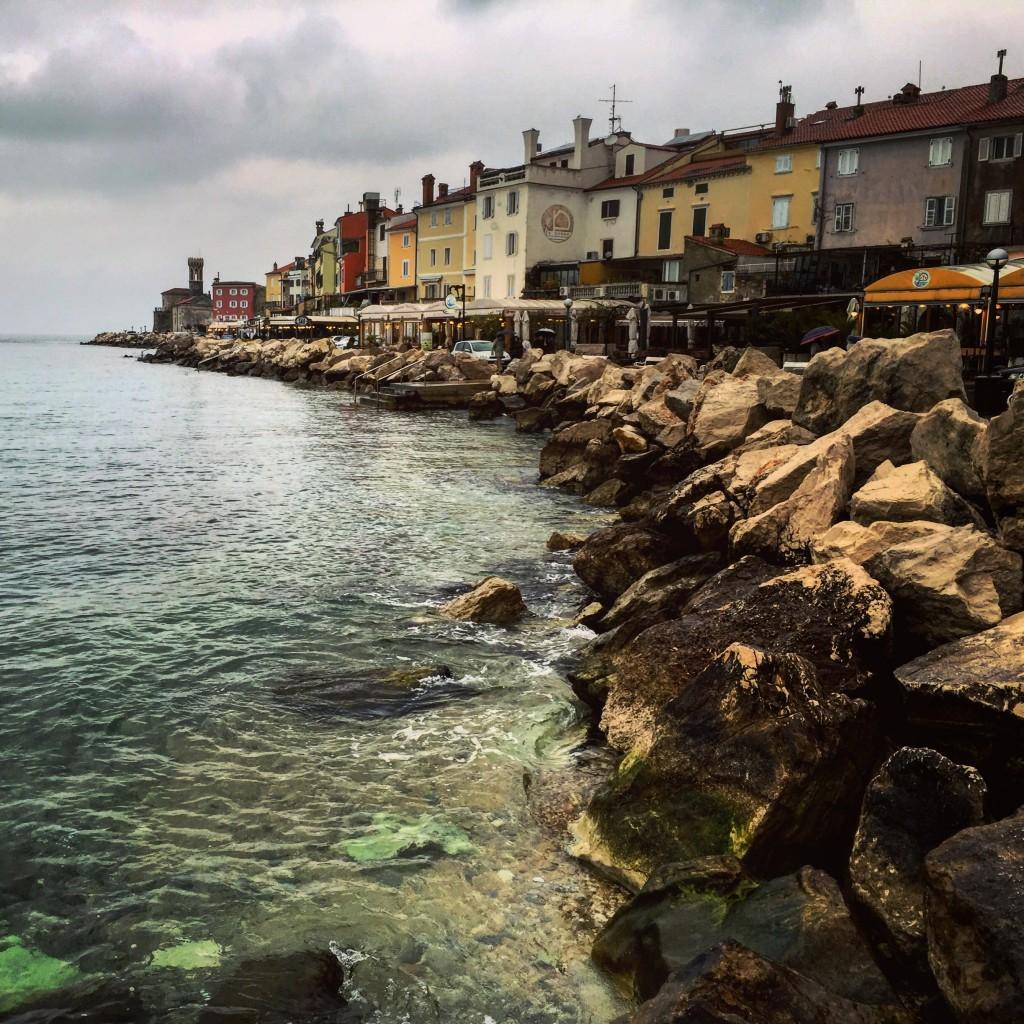 Piran, s'avance doucement mais sûrement dans la mer adriatique