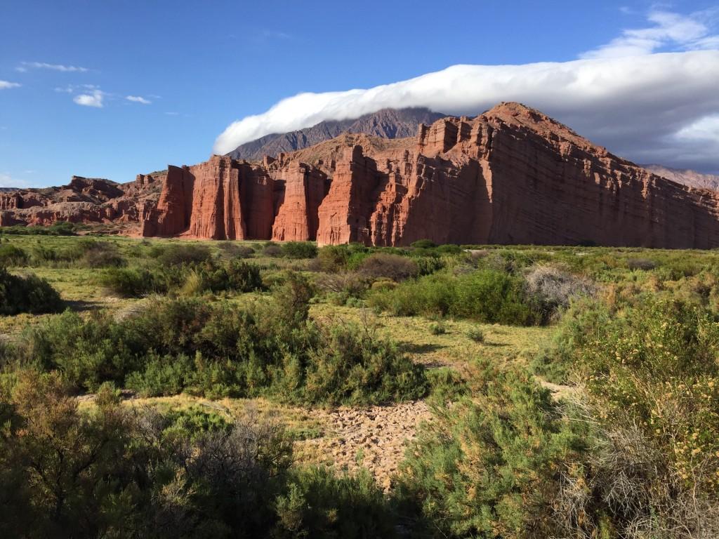 Los Castillos, de superbes falaises qui ressemblent au rempart d'un château fort