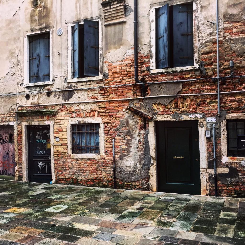 Façades décrépies à Venise