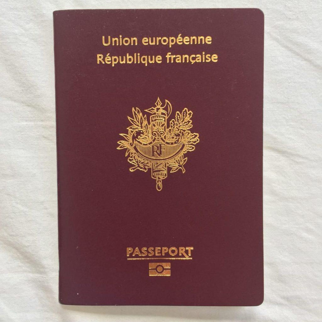 Le passeport français l'un des passeports les plus puissants pour voyager