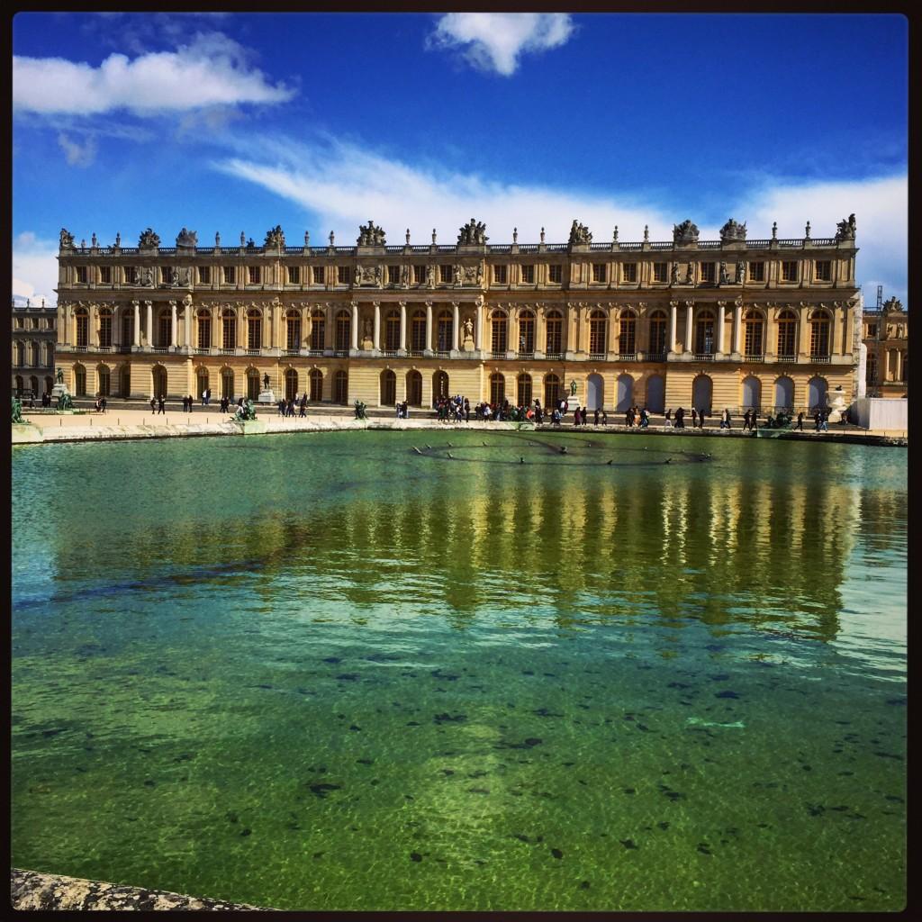 Le château de Versailles côté jardins