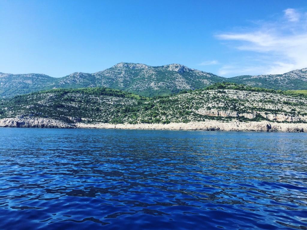 La côte escarpée de la très belle île de Mljet