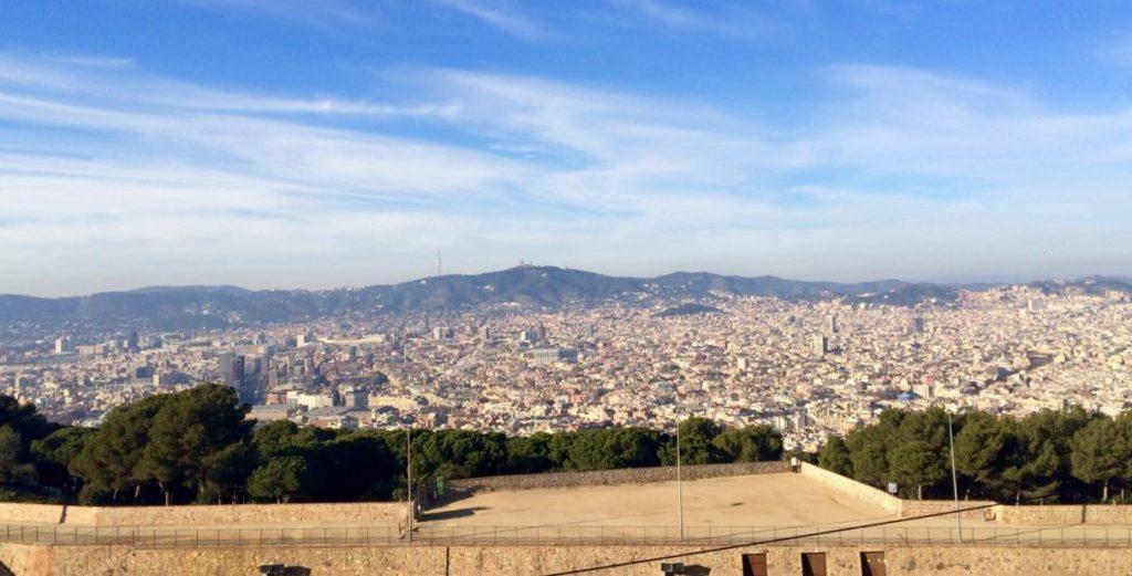 Vue panoramique sur la belle ville de Barcelone