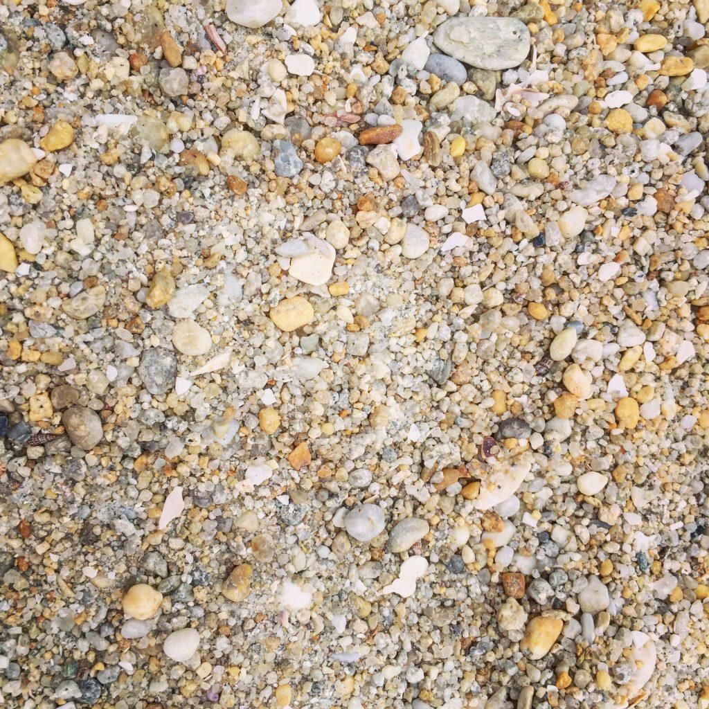 Les grains de sable de la grande plage de Carnac