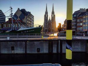 Coucher de soleil sur la ville d'Ostende