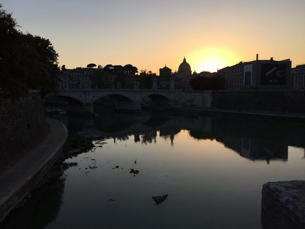 Coucher de soleil sur le Vatican et Rome