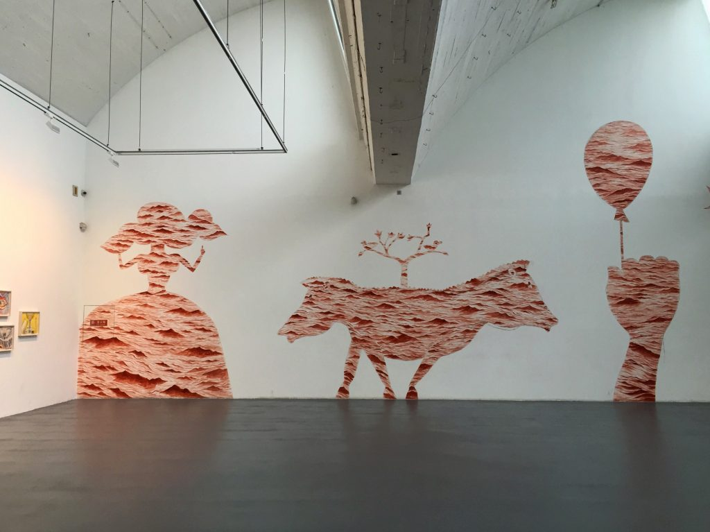 Installation d'un artiste italien dans une galerie du 798