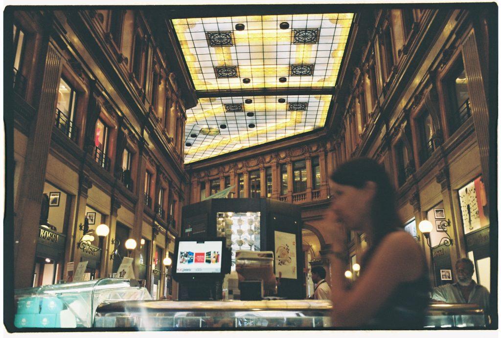 21. Une galerie marchande au coeur de Rome