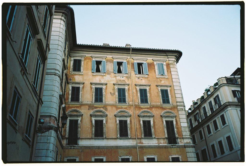 27. Un bâtiment à Rome