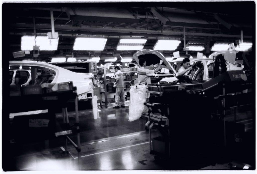 Visite d'une usine Peugeot, province du Hubei