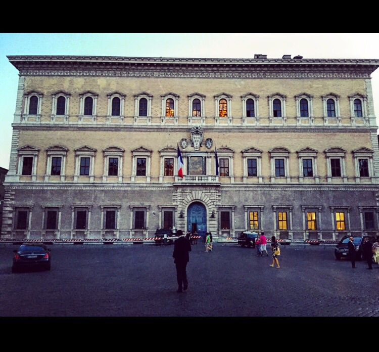 Le palais Farnèse, Rome fait son cinéma