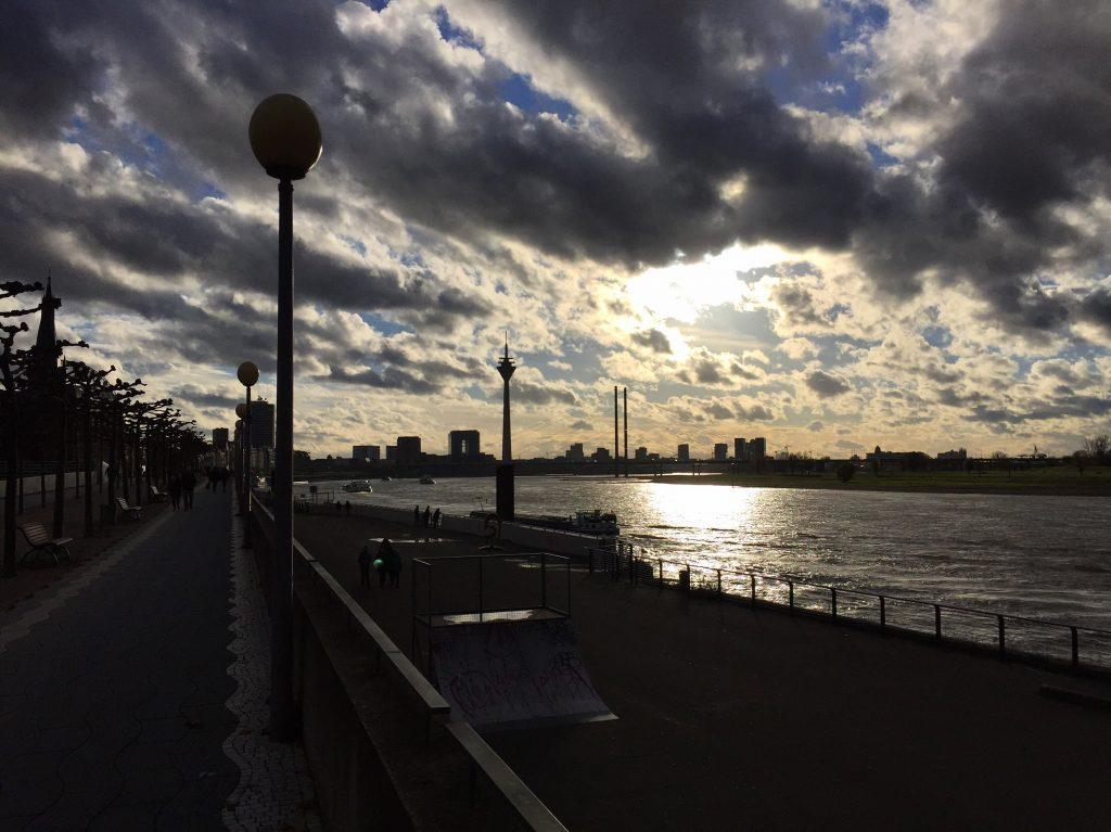 Düsseldorf à contre jour