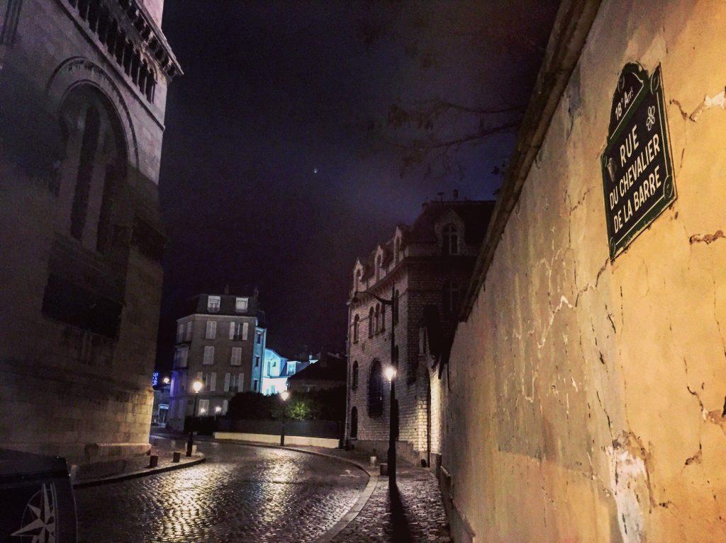 La rue du Chevalier de la Barre, l'une des plus belles rues de Paris