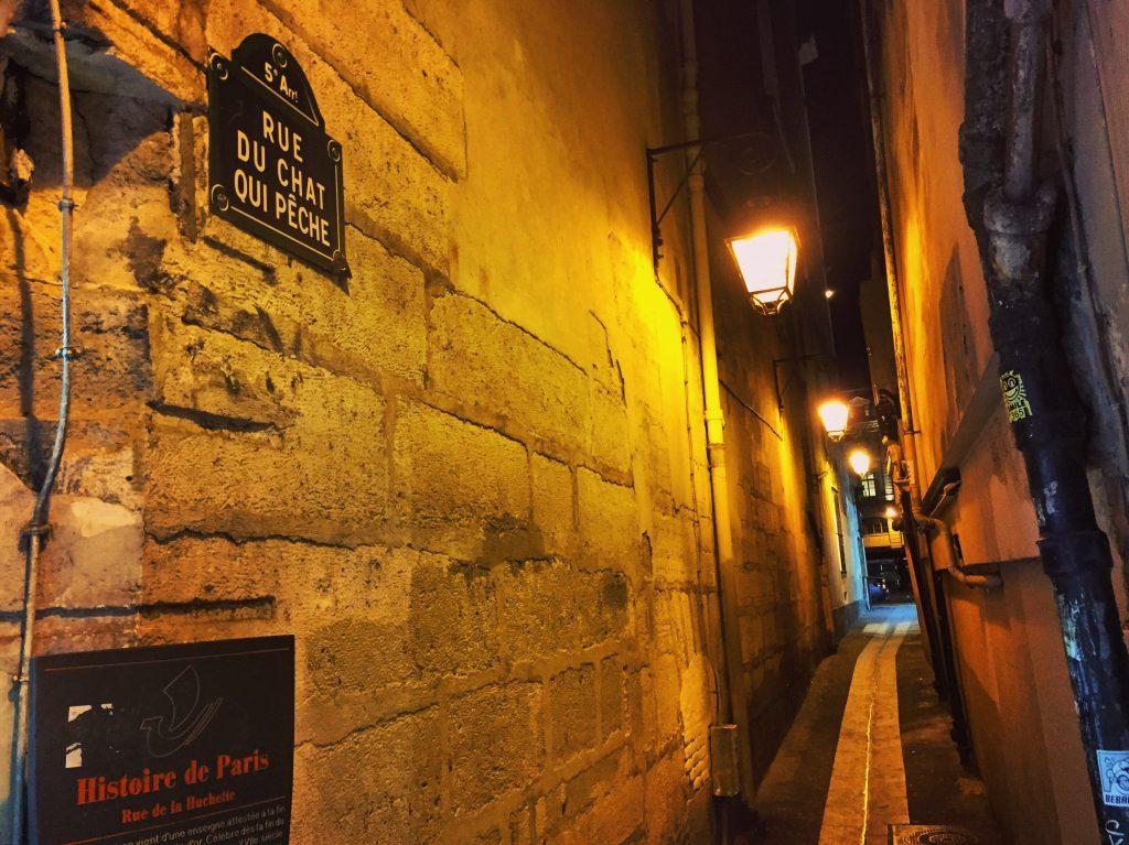 La rue du chat qui pêche une ruelle insolite de Paris