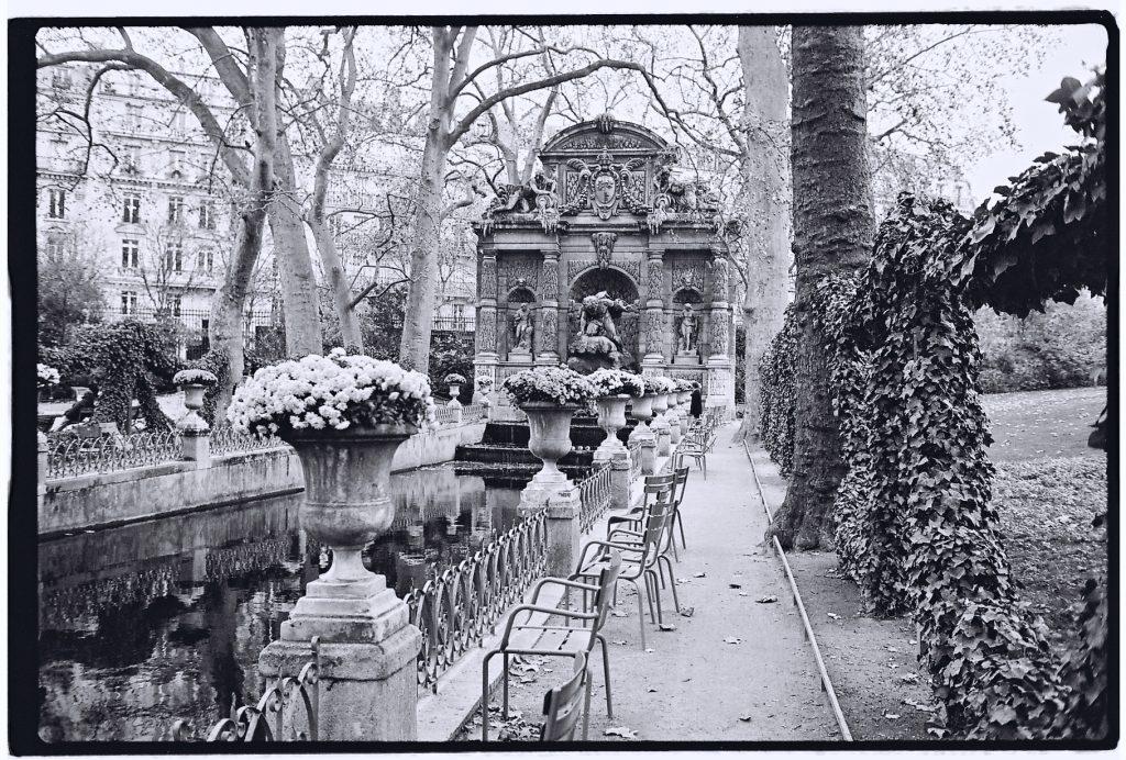 Paris photos en noir et blanc et au leica m6 escale de nuit for Jardin noir et blanc