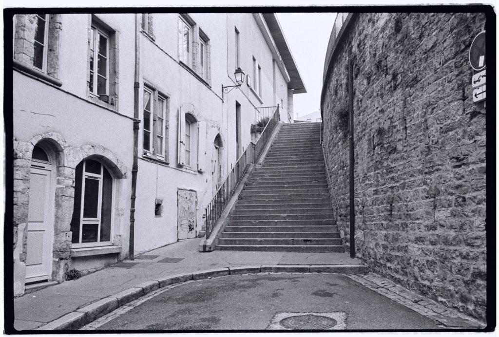 Les escaliers sont un trait d'union entre Fourvière et Saint-Jean