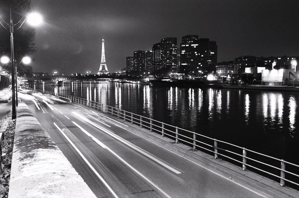 Paris photos en noir et blanc et au leica m6 escale de nuit for Piscine de nuit paris